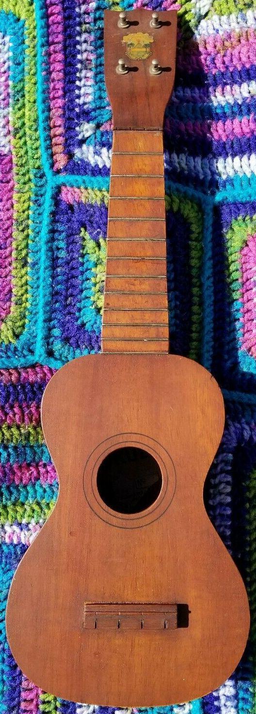 Mouna Loa soprano ukulele mistake lyon healy 1924