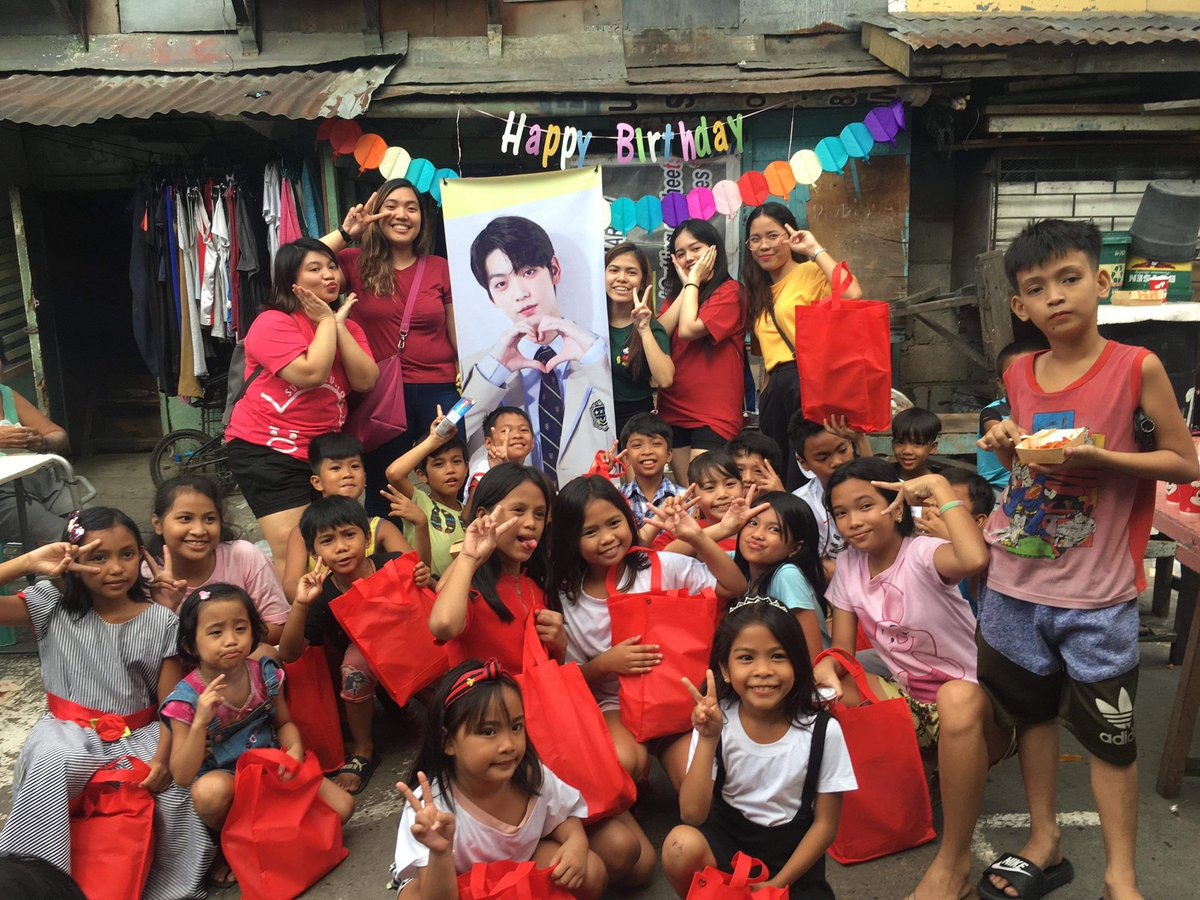 Thank you for celebrating Soobin's Birthday with us! Happy Holidays from  @TXTPHTEAM & @CHOISBPH   @TXT_members<br>http://pic.twitter.com/YnrF1qe0Y7