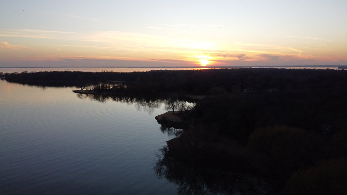 The new drone is a game changer for great views. #sunset #texasskies #camping #photography #photooftoday #dronephotography #droneinstagram pic.twitter.com/uXtlnROWzV