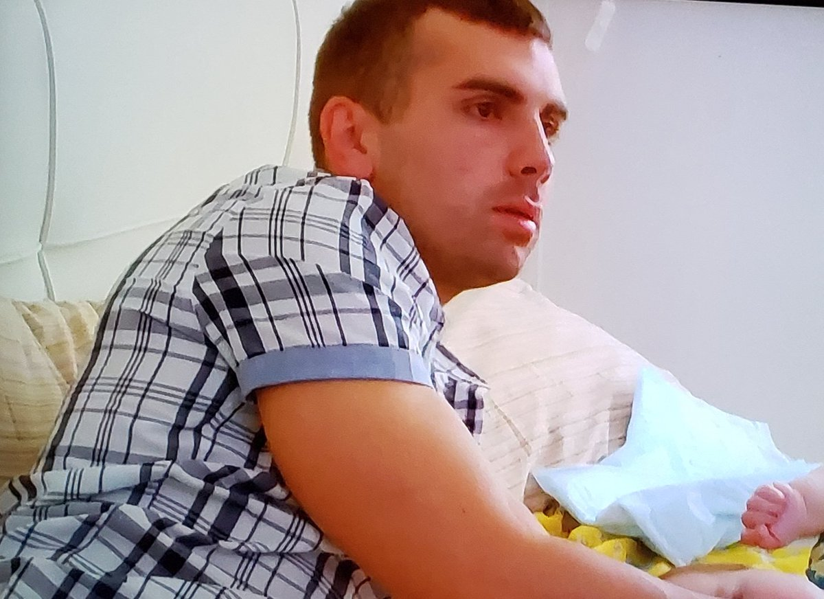 #90DayFiance  100% the guy who buys his wife a peloton for christmas <br>http://pic.twitter.com/TvikXI8jdT