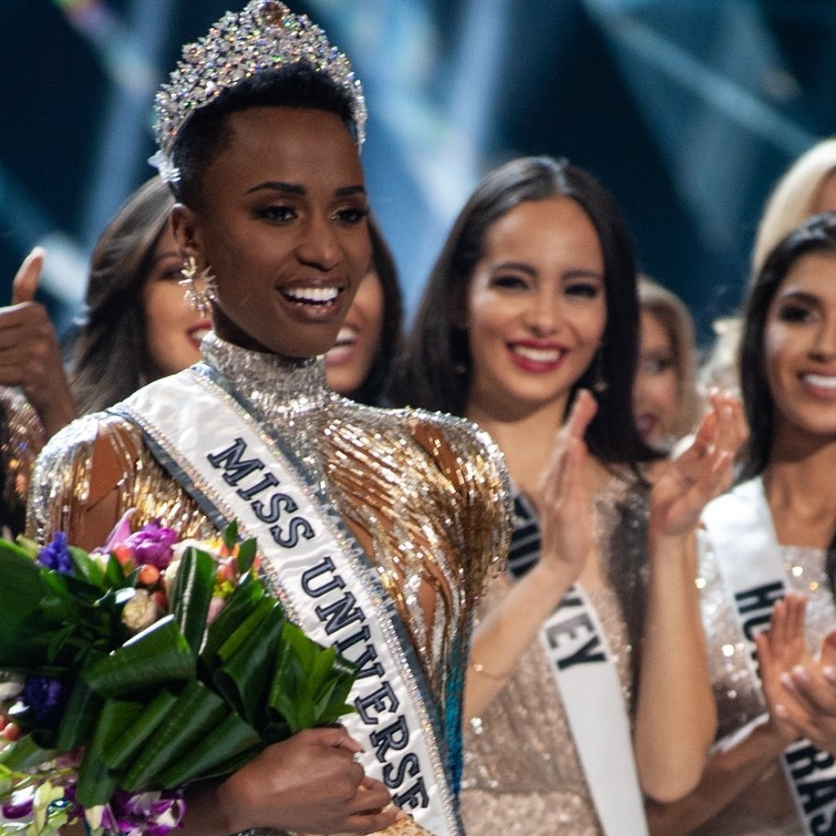 #MissUniverse2019  She has made us tremendously proud as a country but most importantly she has taught us that you lose nothing by being yourself. She has open doors for other brown skin girls who were afraid to try coz they felt like they aren't pretty enough. Thank you Queen <br>http://pic.twitter.com/CbmD83Tweb