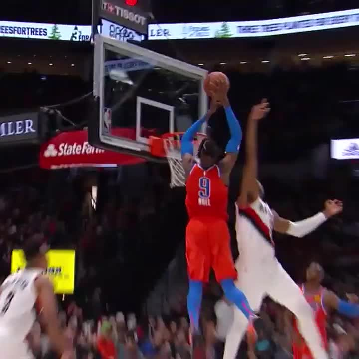 CP3 finds Noel for the oop! 💪  #ThunderUp