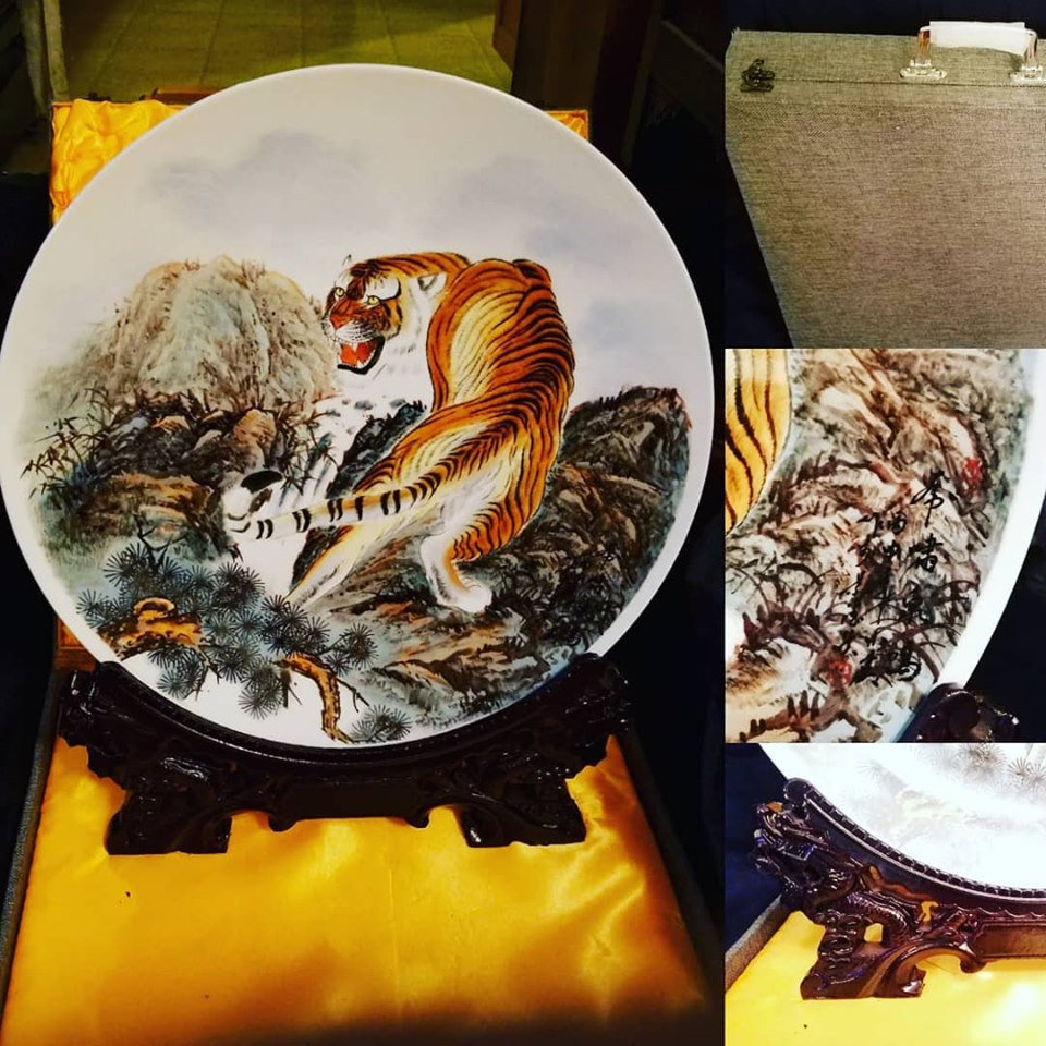 #etsy shop:Vintage Japanese Lrg Bengal Tiger Plate w/Wood Dragon Stand,Satin lined Attache case,signedart  #vintage #art #bengaltiger #bengals #dragon #dragonstand #attachecase #woodeaselstand #handpainted #signedart #bengals #Large #gift #satin