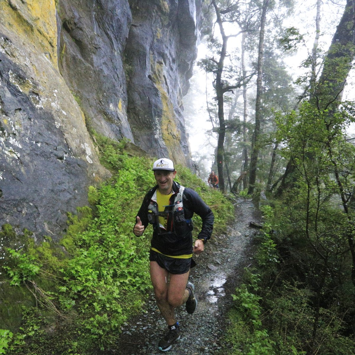What's not to love about a casual run in some of the most beautiful places on earth?  Excuse the next few days of trail porn from the amazing @KeplerChallenge and thanks to the incredible skills of the Photos4Sale team.  https://www.instagram.com/p/B51w_aYAG65/?igshid=vyfbbe47lw08…pic.twitter.com/jZg0jdXXhi