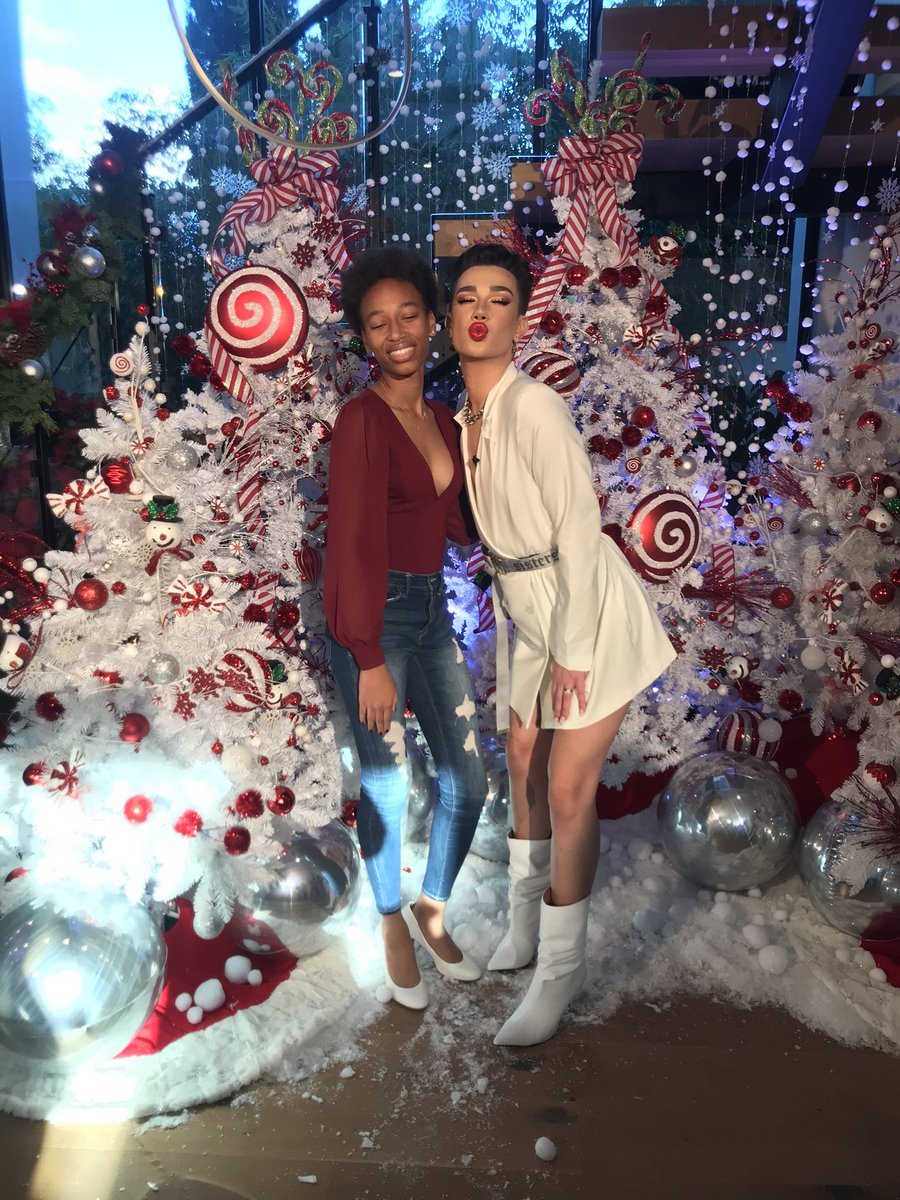 @jamescharles I'm so glad I got to go and I had so much fun with you! This was definitely the best party ever and I love you so much! 🎄🥳