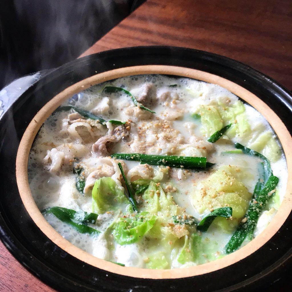 【スープの材料3つ豆乳鍋】豆乳が苦手な夫、娘にも好評でびっくりした1品。具はキャベツと豚バラがあればOK!