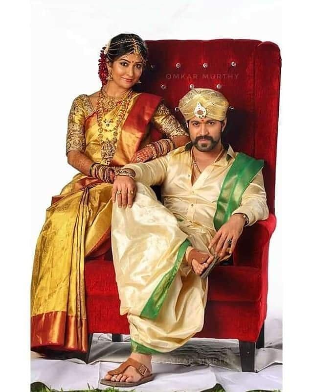 Happy Wedding Aniversary #RockingstarYash And #RadhikaPandith @BeatKannada @Cinema__Beat @Chandana_vana @BeatKannadapic.twitter.com/heUGly6koQ