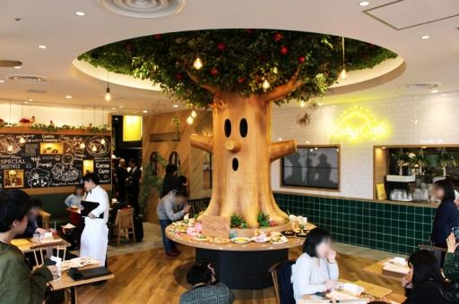 東京スカイツリータウンの「カービィカフェ」が常設店舗となって12月12日にオープン。ウィスピーウッズの下で,新しいメニューを存分に楽しもう