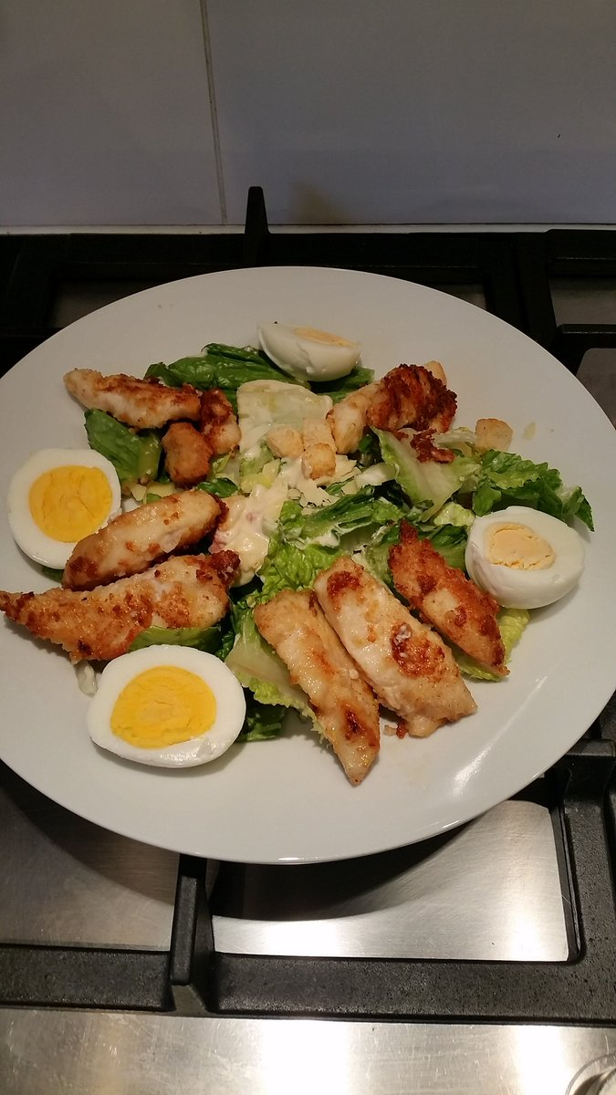 Home made warm chicken caesar salad  #nomnom #foodie <br>http://pic.twitter.com/MvDGwXE6ay