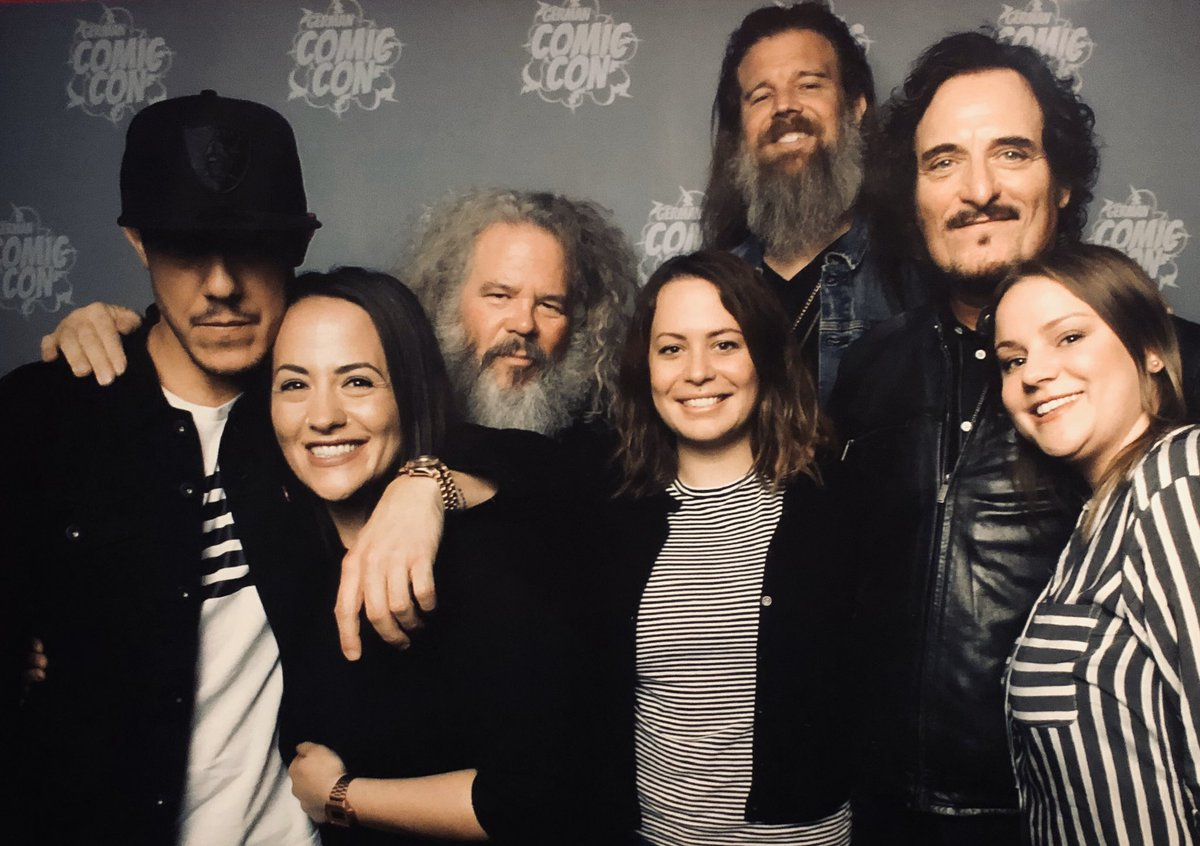 What an unforgettable Weekend! Thank you @KimFCoates @Theorossi @RamboDonkeyKong @markboonejunior @_SoALove_ for making a perfect surprise to one of the most important person in my life.  #thankful #perfectday #itwasapleasure pic.twitter.com/qlqLTiiEz2