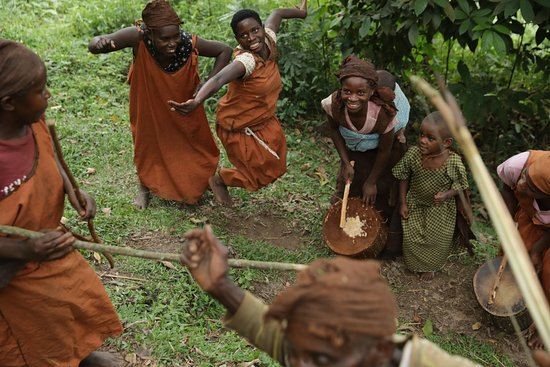 Did you know that the #batwa are the original custodians of the #bwindi forests in which they have lived for over 1000 years?  https://t.co/qYCLU9UZGk https://t.co/xn8fM9cVbn https://t.co/rVR295RzuY https://t.co/MiEJ9p0yyX #longugandasafari #africasafariadventure  #ugandasafari https://t.co/GmLGuEa0Rc