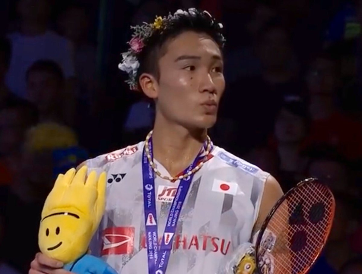 """#TheSeasonInOneSentence #Kento #Momota: """"And the winner of everything ( insert for your self - China Open, All England, Worlds, Wimbledon, Tour de France, Indy500, The Ashes, Champions League etc. ) is.... from Japan, Kentooo Momotaaa!"""" #MS #Badminton #HSBCBWFWorldTourFinalspic.twitter.com/ccBLncPeNU"""