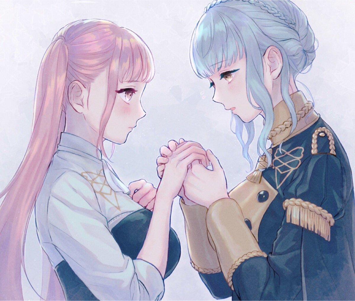 冷えた手を温めるマリアンヌ