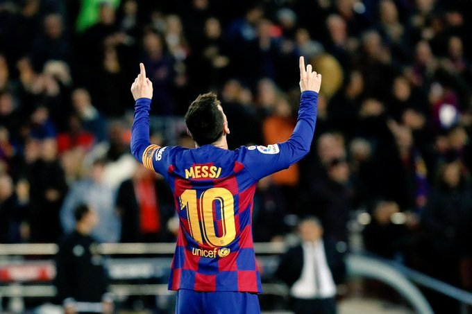 Long Thread: An AC Milan fan from my country wrote this about Leo Messi a year ago. Have a read if you've time. <br>http://pic.twitter.com/8JeZkHmjDi