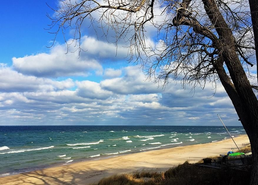 New #lawsuit again seeks to limit public access to #LakeMichigan beaches  