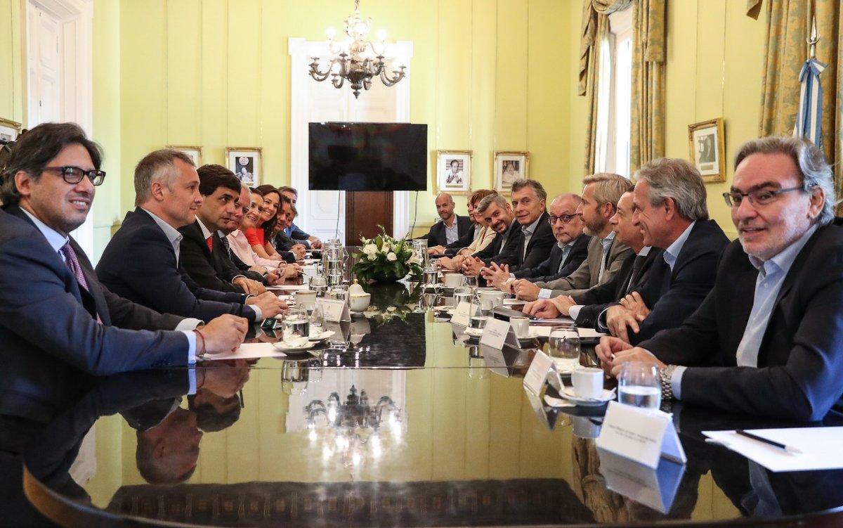 Participé en la reunión de gabinete en @CasaRosada https://t.co/gcY2e9m7qs
