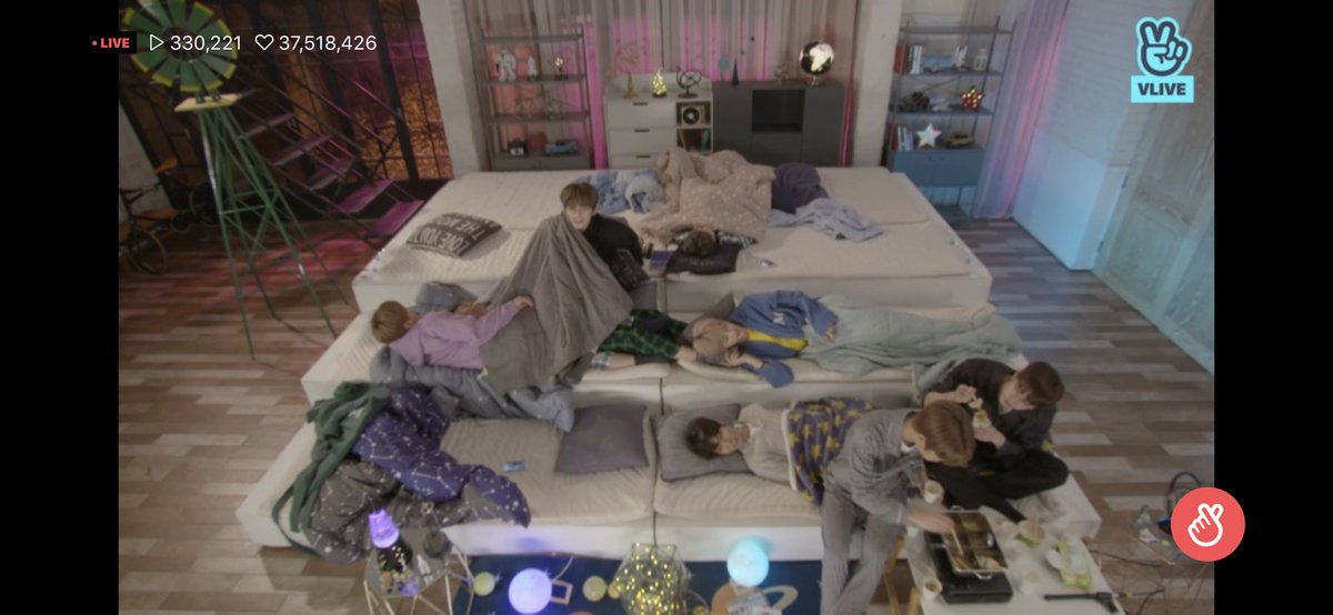 Other groups be sleeping peacefully, but for stray kids....   Changbin cuddle to Hyunjin.. Minho has his legs on Changbin and Hyunjin, Felix rubbing his cheeks on hyunjin's feet, chan and Seungmin are eating, I can't believe Jisung and Jeongin is actually sleeping, normally. <br>http://pic.twitter.com/jz79vmRBPT