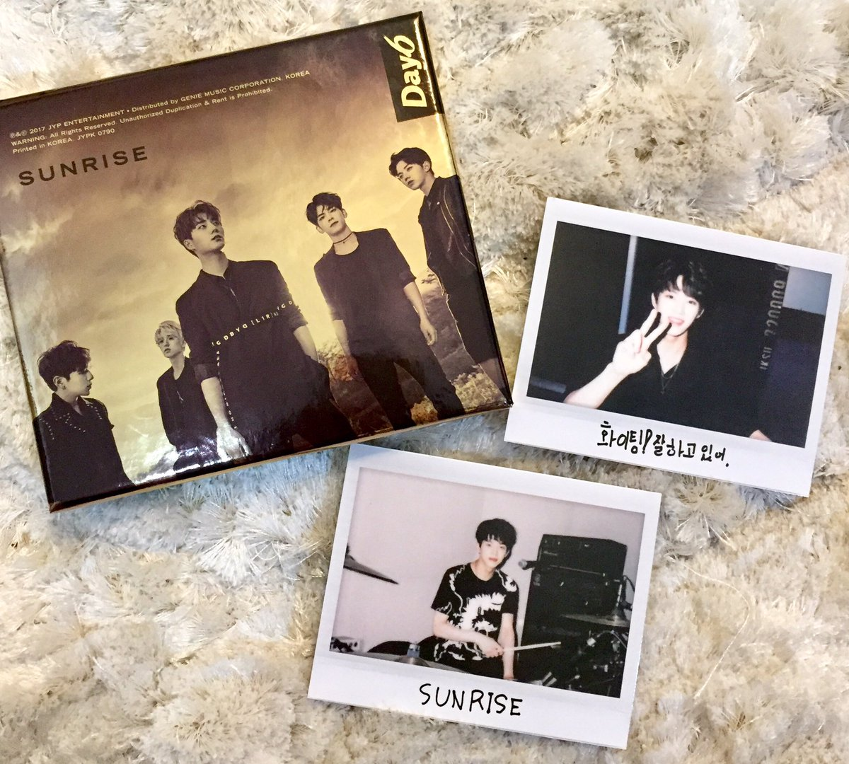 [WTS 🇲🇾] #DAY6 #Sunrise PC - Dowoon studio/ night ver. #Moonrise PC - Wonpil - Dowoon #Gravity PC - Dowoon #Entropy - Sungjin postcard - Dowoon postcard Price: RM20 each (price exclude postage fees) Meetup: NU Sentral DM if interested 😊 @DAY6Malaysia pls help rt