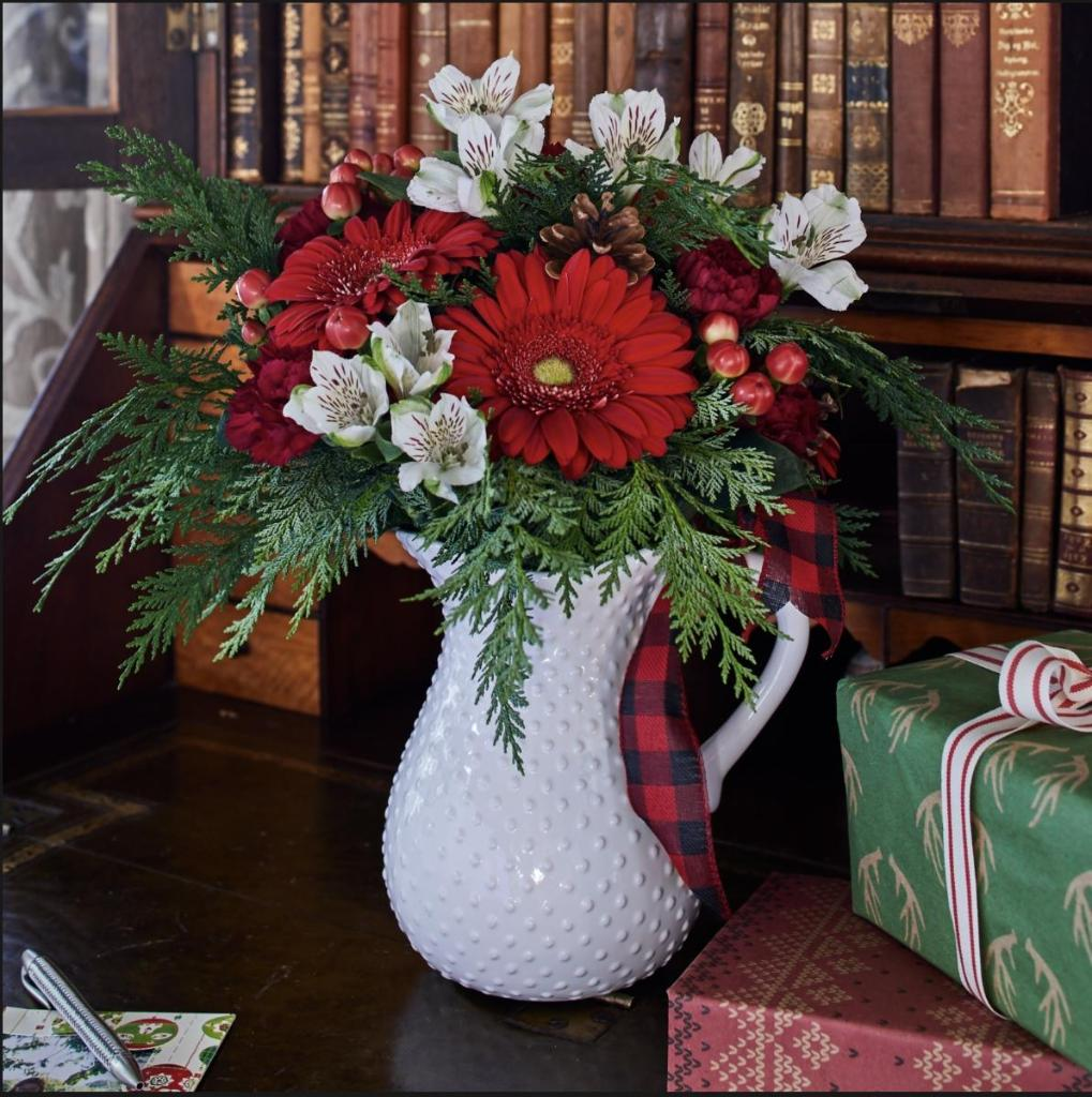 Need help finding the perfect Christmas gift? Let us help! Shop our Holiday Gift Guide for festive flower arrangements, plants, centerpieces & more: