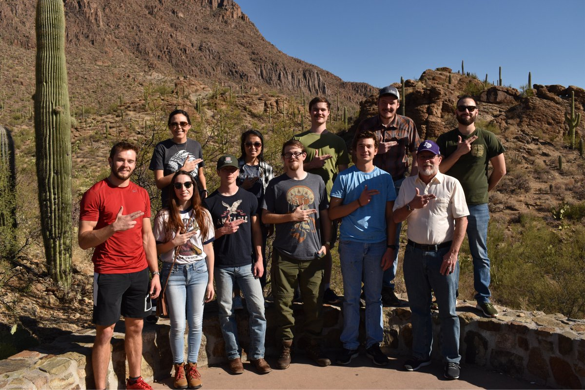 Sure we're partial to the Pineywoods, but we love all ecosystems equally. 11 Lumberjacks recently attended the 8th International Fire Ecology and Management Congress in Tucson, AZ, to share their research. #fireecology #ATCOFA https://t.co/iIETEZiuoq