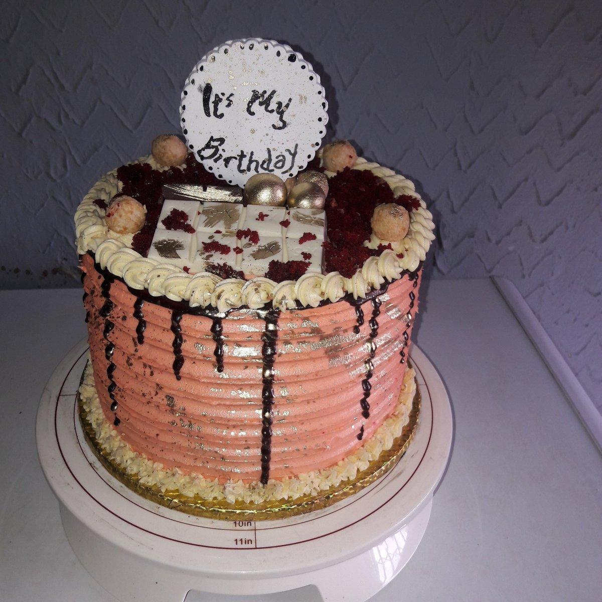 cake by me For me . I ain't jobless . I am a self made entrepreneur HBD to me  #TachaLeads #December9 #ProudlySagittarrus<br>http://pic.twitter.com/YOZ2kXmtPx