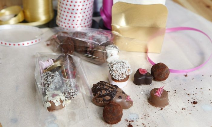 Chocolate Making Workshop for One or Two with MyChocolate, Brighton (40% Off) https://buff.ly/2VBPPHE   #brightonhour @Brighton_Hour .pic.twitter.com/xRHaky0Vtd