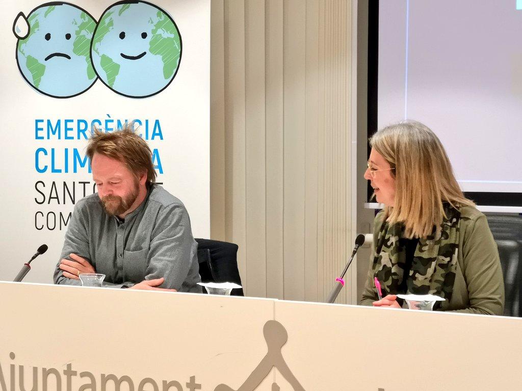 Recollint el testimoni de @gemmapuigf, el director de l'@ICIPeace @KristianHerbolz ha volgut destacar l'oportunitat de la Declaració d'Emergència Climàtica #SantCugat per aturar les conseqüències del canvi climàtic sobre les persones i els fenòmens migratoris #stccompromesa