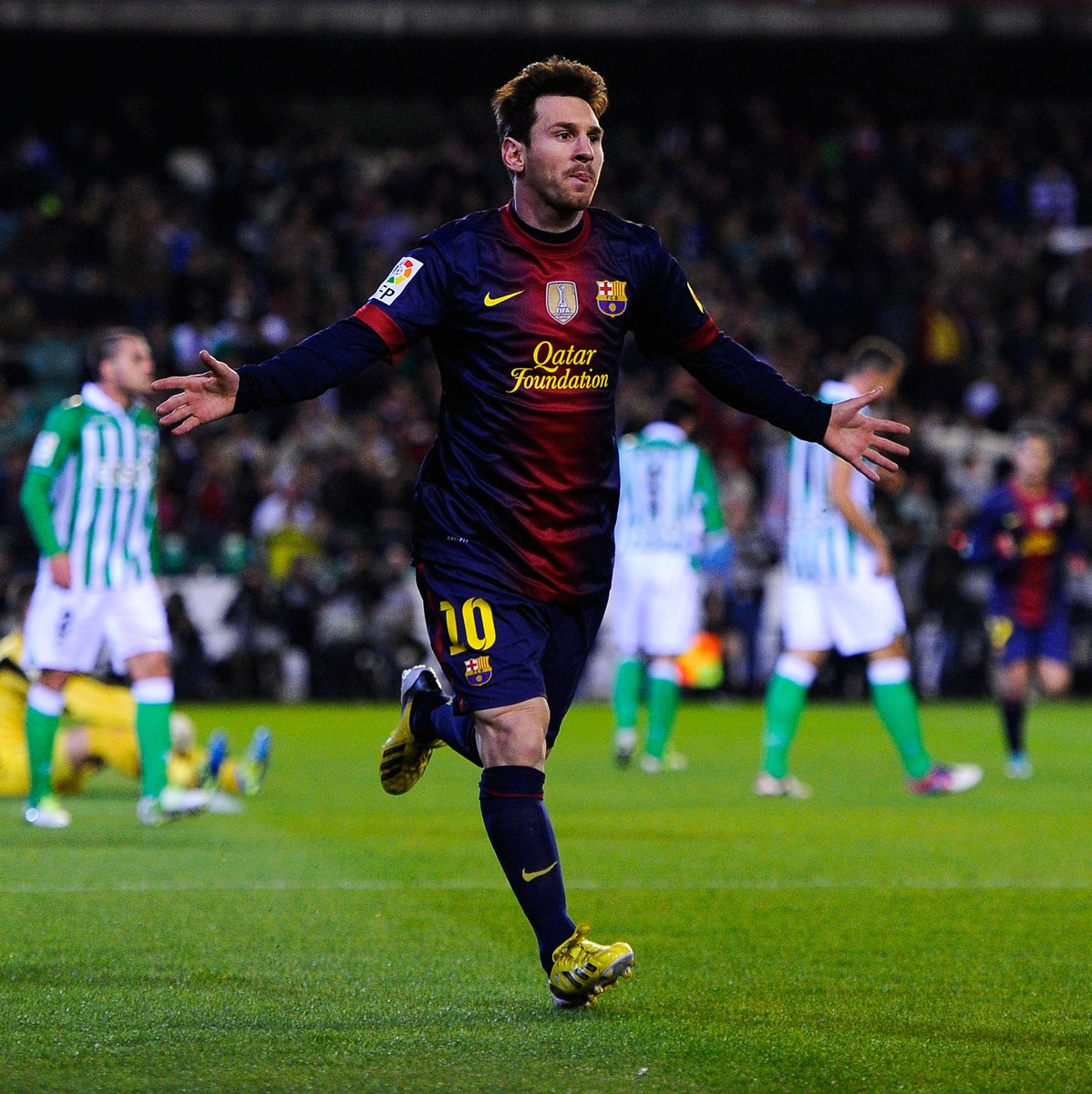 #OnThisDay  years ago...  Lionel Messi scored his 85th and 86th goals of 2012 to break Gerd Muller's calendar year scoring record   Altogether he scored 91 goals in 2012  <br>http://pic.twitter.com/B6NhNSzHZC