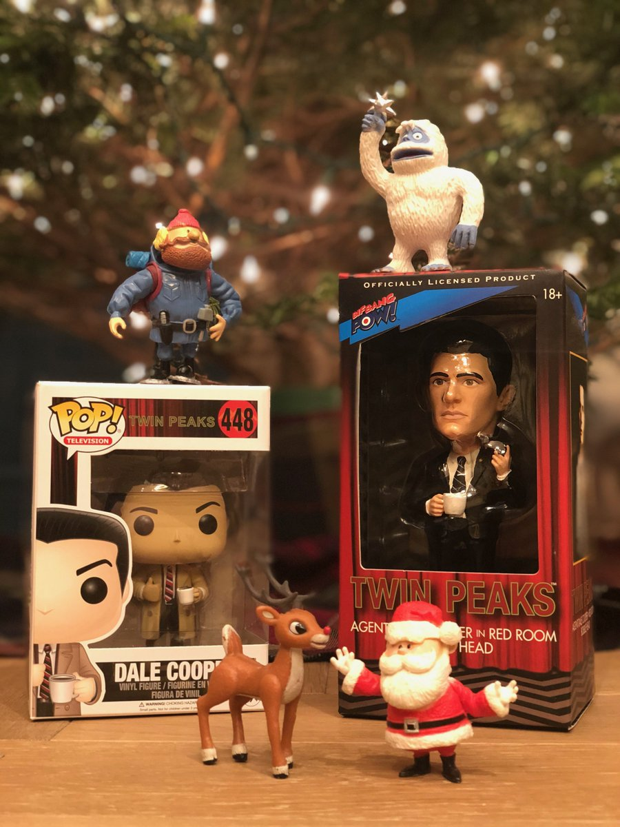🎶On the 1st day of Peaksmas my true love gave to me...a giveaway (or 2...or 3)🎶  To say thank you for your support over the years I'll be giving away some fun #TwinPeaks prizes starting today!  Share this post with a 👍 + #12DaysofPeaksmas & I'll randomly choose a winner!