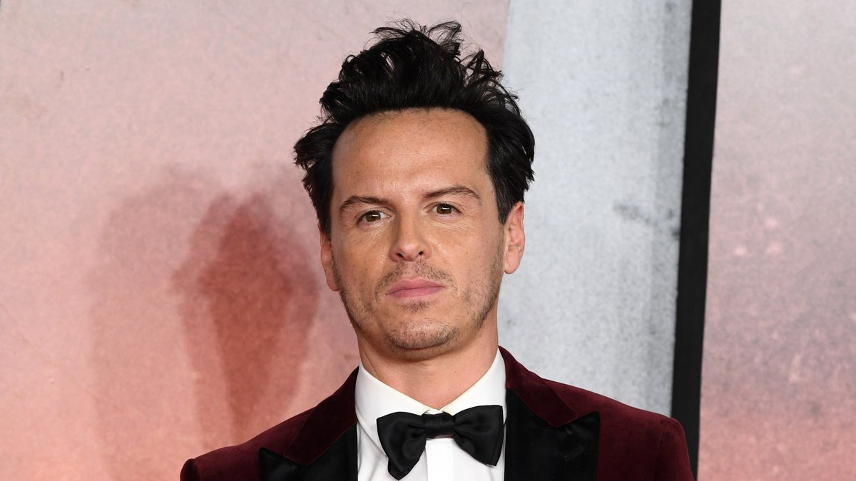 Replying to @Variety: #Fleabag star Andrew Scott teases future projects with Phoebe Waller-Bridge