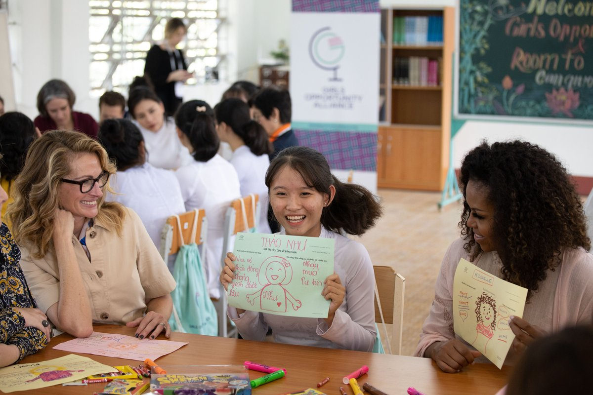 We just spent an amazing day in Vietnam with young women who persevered to get an education and leaders from @RoomToRead who support these girls to fulfill their potential. Head over to gofundme.com/girlsopportuni… to support work like this in Vietnam and around the world.