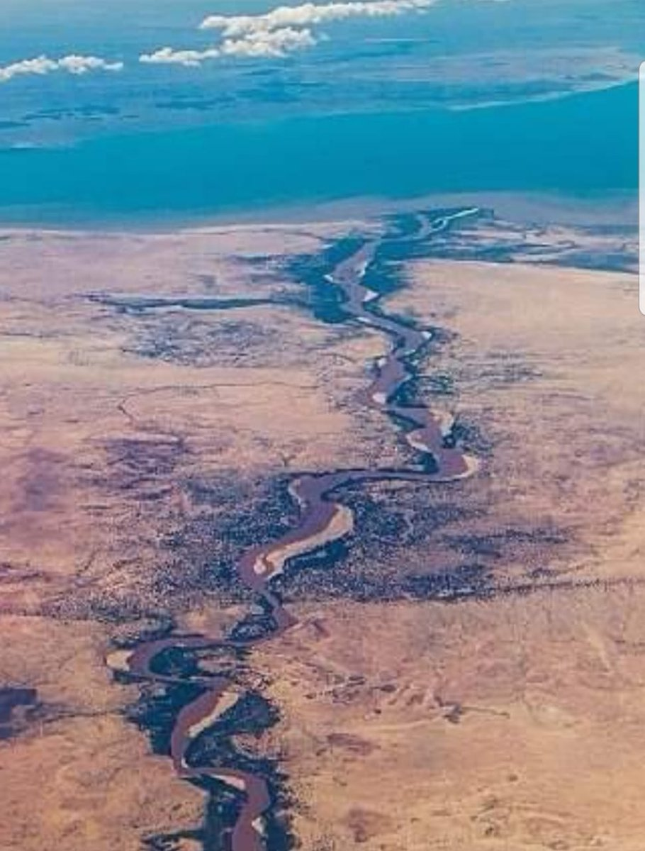 The Turkwel River begins from the lush green slopes of Mount Elgon and the Cherangani Hills, traverses the Southern Turkana Plains, crosses Loturerei Desert near Lodwar and empties to the world's largest desert lake, Lake Turkana. The river's flow is seasonally varied. <br>http://pic.twitter.com/cLZBbaiqmG
