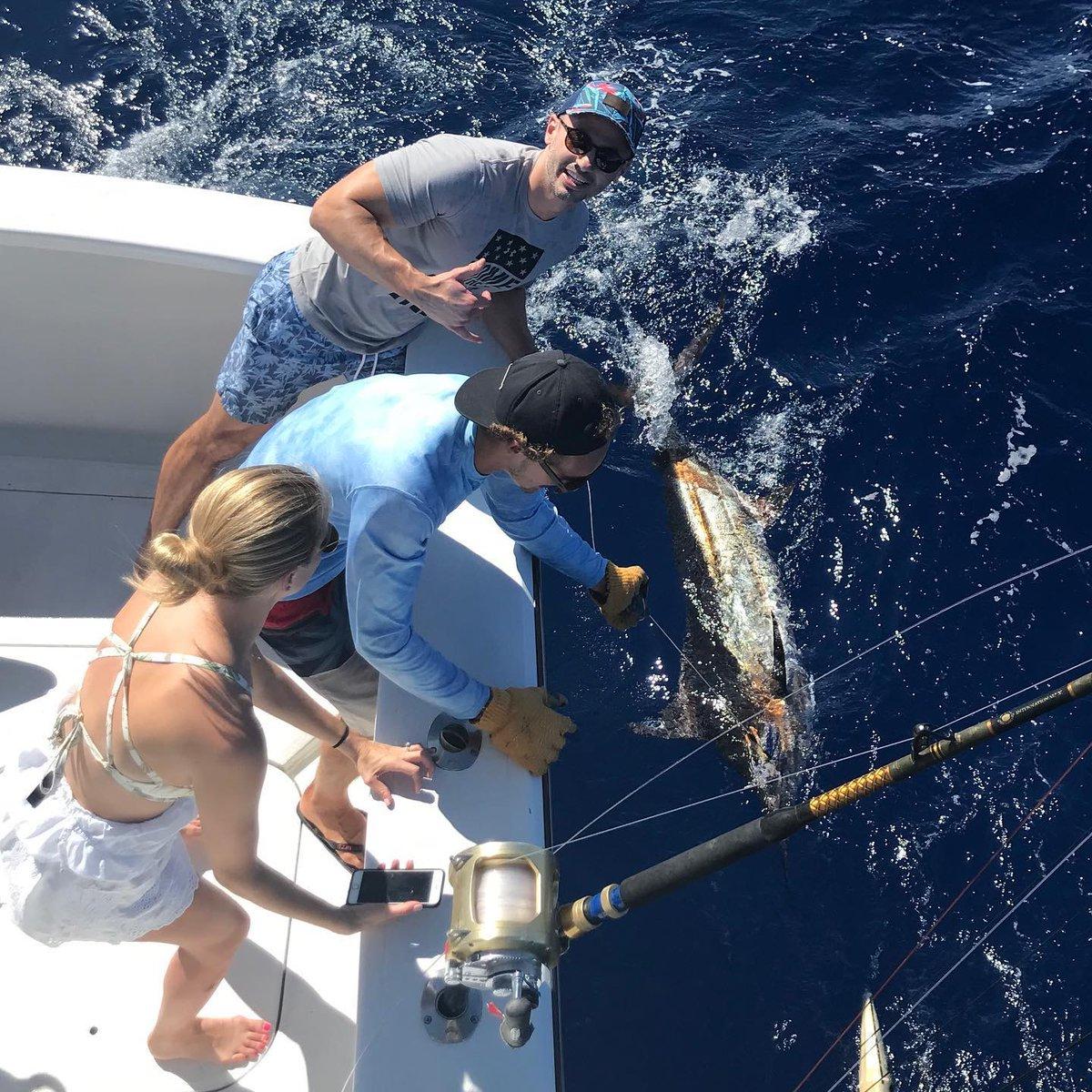 Kona, HI - Hooked Up went 1-3 on Blue Marlin.