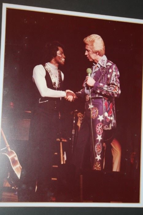 """#MusicMonday #flashback country music Legend Porter Wagoner welcoming #JamesBrown to Nashville's storied Grand Ole Opry House in 1979 JB said at the time """"I always have loved country music ever since I was a kid #countrymusic really is just the white man's blues"""" #music"""