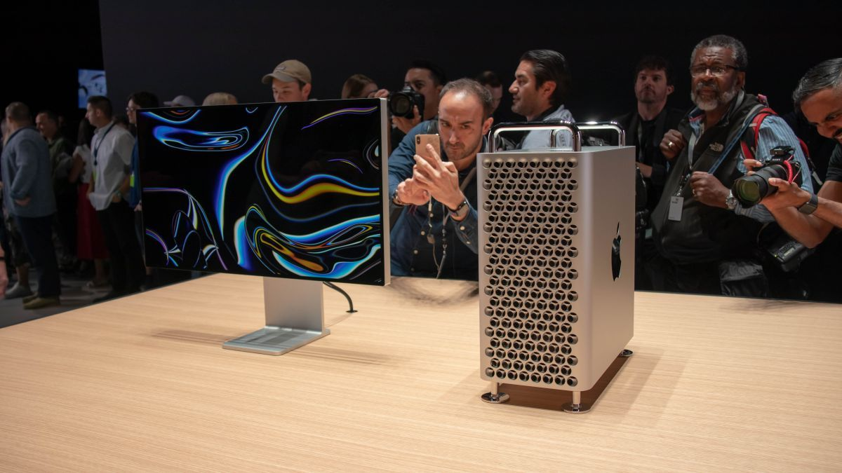 Upcoming!!! @Apple new Mac Pro and Pro Display XDR will be available to order on December 10th. #macpro #macpro2019 #macproducts #newmacpro #apple  Source: Techradar https://buff.ly/2PrfEo0 pic.twitter.com/D2HrXY5zLl