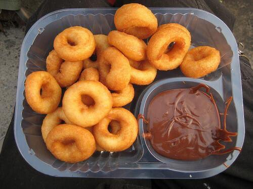 Mini Fried Donuts with Chocolate Sauce https://t.co/lQLpwCKLpP