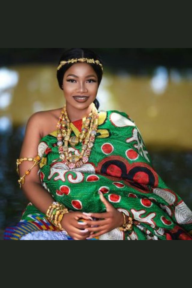 Tacha and Alex are peace makers. Our Ghanaian brothers will live to see the next day   #GhanaVsNaija  #TachaLeads <br>http://pic.twitter.com/7Hto2YW0Fs