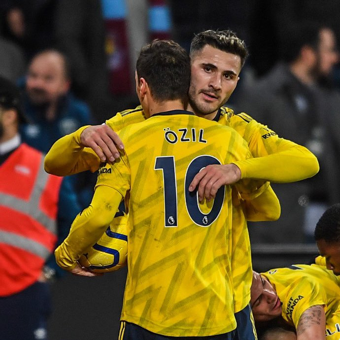 Not in the squad, came to the squad, came on the pitch, assist 1️⃣ WHAT A DAY 🔥👊🏻 Not to forget, get well soon @kierantierney1 💪🏻 #WHUARS #GibGäs #SeoKol @Arsenal @premierleague