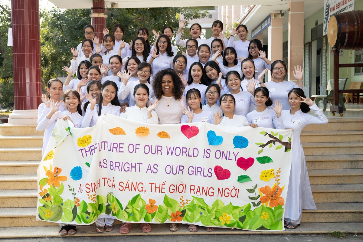 The @ObamaFoundation is guided by the belief that we can create a better future if we connect people doing good work all over the world, give them tools and skills, and shine a spotlight on the best examples. Today in Vietnam with the @GirlsAlliance, I saw that vision in action.