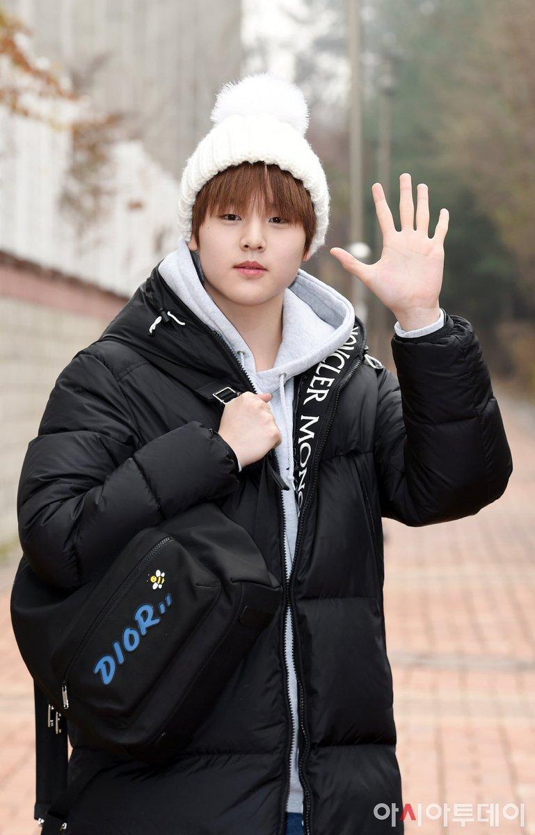 Nam Dohyon ( 남도현)   Dior Dior x Kaws Black Nylon Backpack with Blue Dior Logo  $1,500  ₩1,790,497  #NAMDOHYON #DOHYON #DohyonOutfit #DOHYONX1 #DohyonX1_Clothes  #X1 #X1Member #XONE #남도현 #도현<br>http://pic.twitter.com/MbNoTBUudA