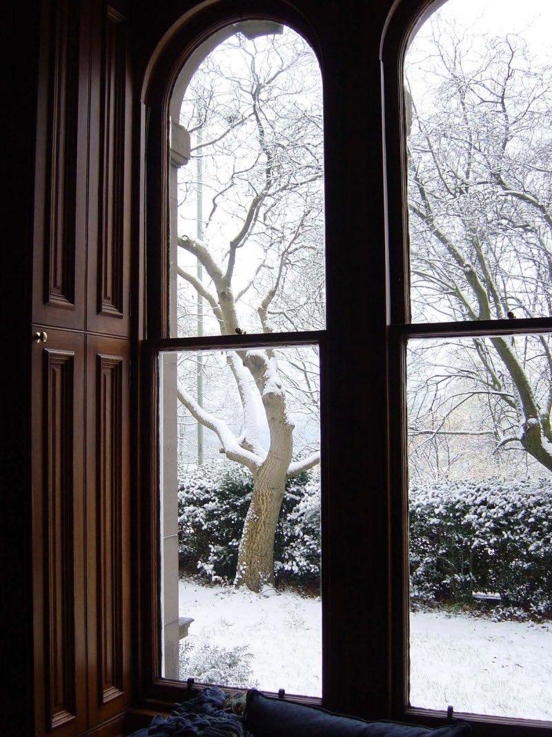 Смотреть фото зима за окном