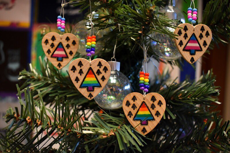 We launched this year's holiday ornament fundraiser! You can get yours up until Dec 18th 💖🏳️🌈✨❄️ Check out https://t.co/WDDl2TLuIp https://t.co/UJuWWQ5CE1