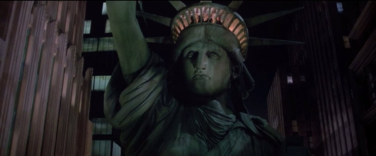 Since people are talking (well, arguing) about Ghostbusters again, I'm just stopping by to say that GHOSTBUSTERS II is A-OK! This scene blew my mind when I was a kid, and it somehow still stirs me watching it today.#GhostbustersII #IvanReitman #StatueofLiberty