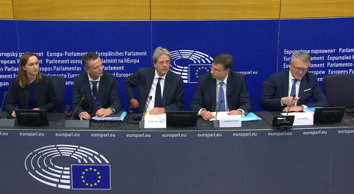 🎥 Autumn package of the European Semester: Read-out of the College meeting / PC by Executive Vice-President @VDombrovskis Watch the video: europa.eu/!JM37pX