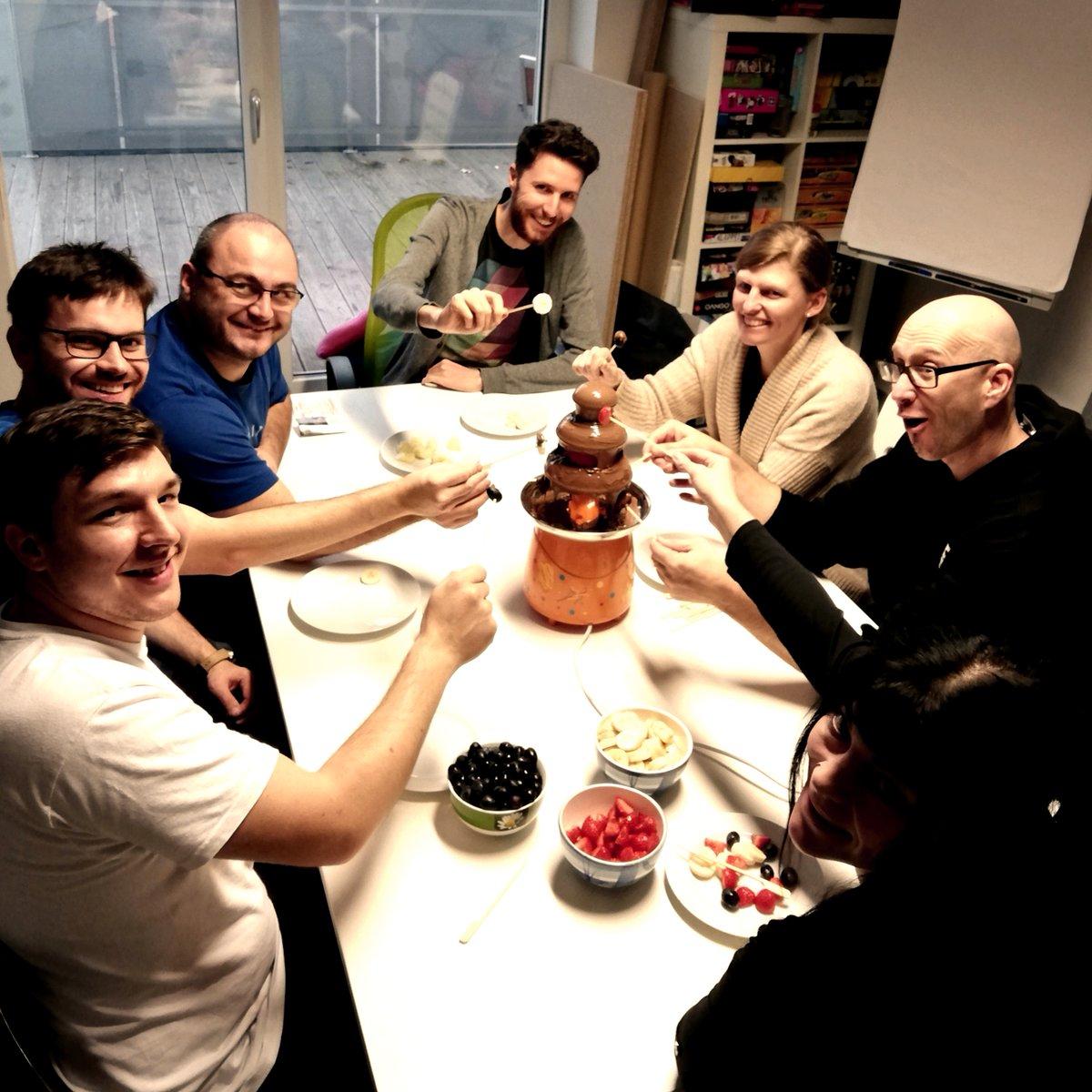 Abwechslung wird bei Rudy Games ganz groß geschrieben. Darum gibt heute Schokolade zum Nachtisch. #gemeinsamezeit pic.twitter.com/hHkSHi0pgc