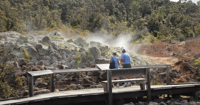 Best trails to see Hawaii Volcanoes' wonders #hawaii #adventurecollective #traveling