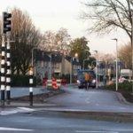 @BarendrechtnuNL - Aan de #Schaatsbaan worden momenteel de 30 km/u zone borden verplaatst. Ipv bij de entree naar de #Dorpsstraat staan ze nu al langs de Schaatsbaan, waar 30km/u vanaf nu dus ook de maximum snelheid is: https://t.co/WK3DANI7KR #Barendrecht https://t.co/lSVrHhvKac