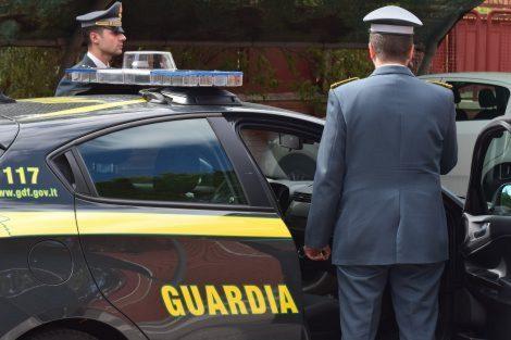 Gadget contraffatti ai concerti di Marco Mengoni ed Elisa, quattro venditori denunciati - https://t.co/SliU9kKEFL #blogsicilianotizie