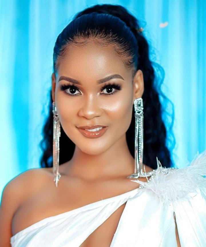 #Issahpost Happy birthday  Queen #Hamisamobetto @HamisaMobetto  #Tanzaniapic.twitter.com/GSjraCYhSS