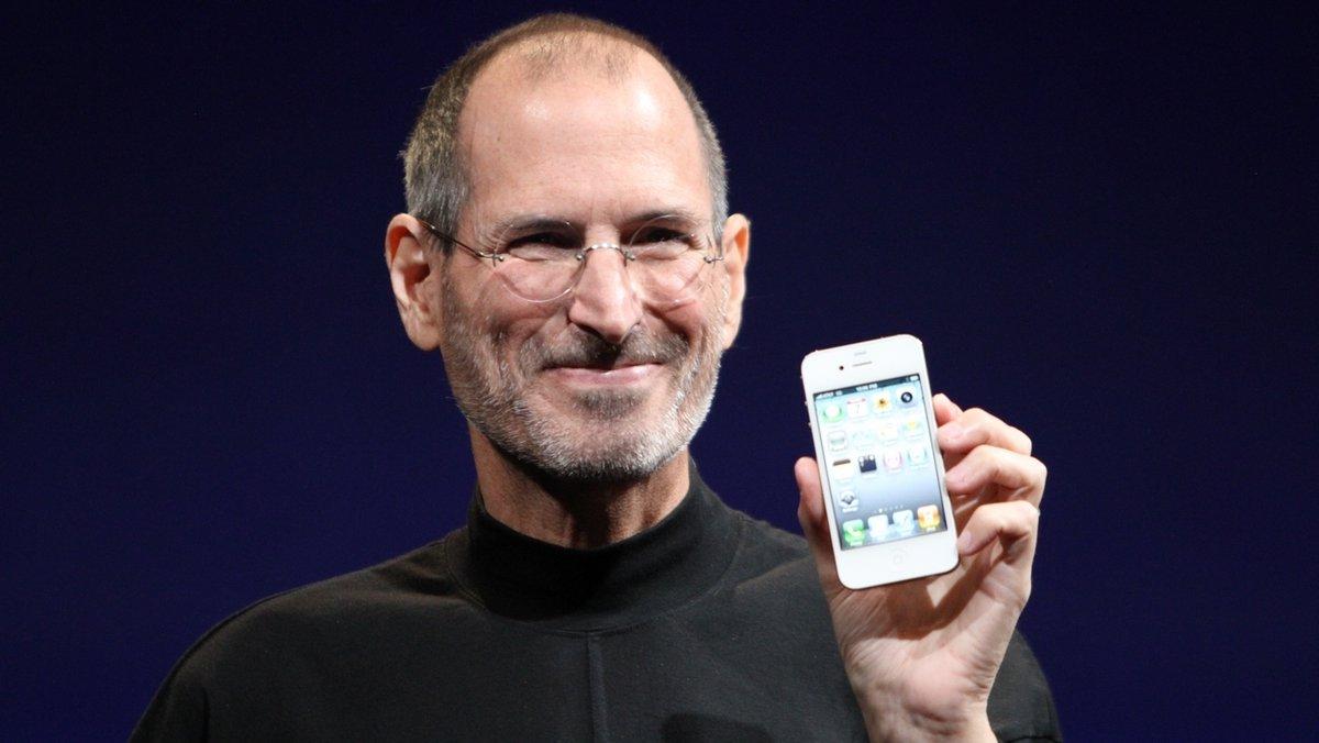 Une disquette signée par Steve Jobs vendue 75.000 euros  https://www.bfmtv.com/tech/une-disquette-signee-par-steve-jobs-vendue-75-000-euros-1821534.html#content/contribution/index